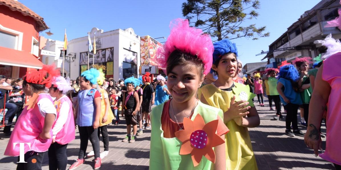 Carrozas desfile (9)