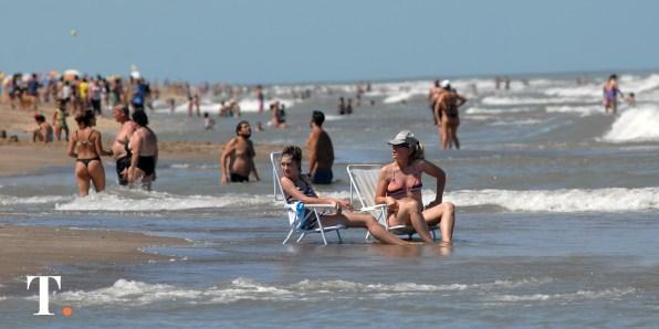 Ya se palpita el verano en la costa atlántica (Fotos Ricardo Stinco).