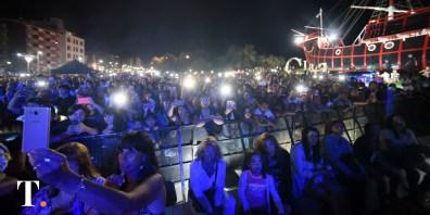 Una multitud aprovechó la hermosa noche para disfrutar de la cantautora mexicana
