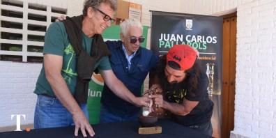 El orfebre Juan Carlos Pallarols recibió a la gente en Villa Gesell para el tradicional encuentro.
