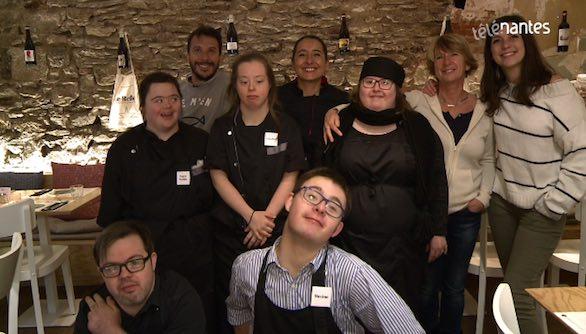 Télénantes - Le Reflet : le restaurant avec des serveurs trisomiques a un an