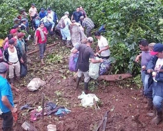 Cuatro miembros de una familia mueren en deslave en Jinotega