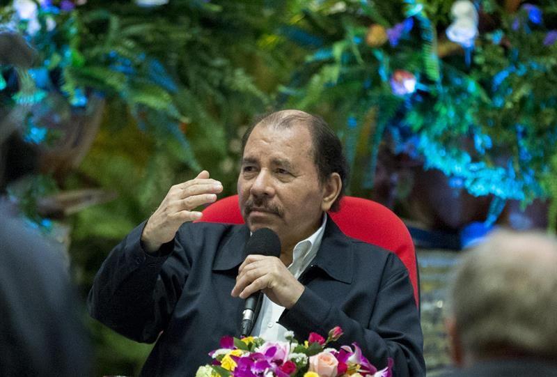 Ortega rinde homenaje a Fidel Castro en el 40 aniversario de la Fuerza Naval de Nicaragua