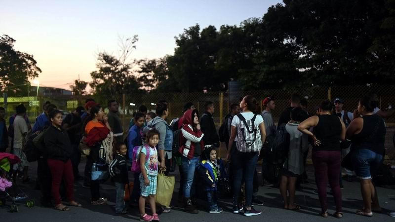 En marcha cuarta caravana de inmigrantes hondureños