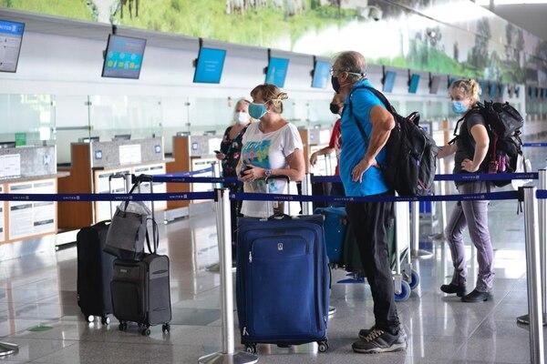 Costa Rica elimina prueba de Covid-19 para nacionales y extranjeros que ingresen vía aérea
