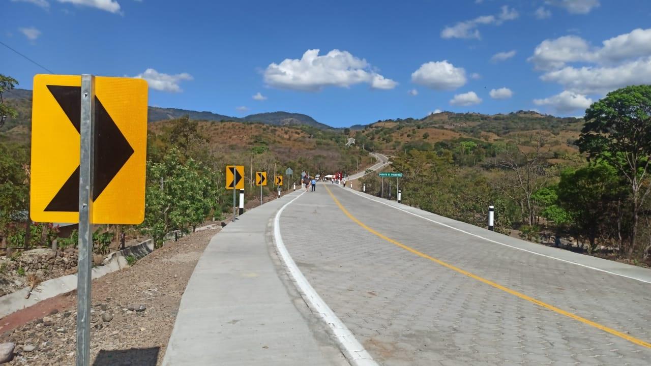 Inauguran 29 kilómetros de adoquinado al municipio de San Juan de Limay
