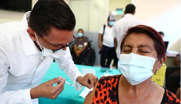 Nicaragua inicia vacunación contra la Covid-19 en pacientes con enfermedades crónicas