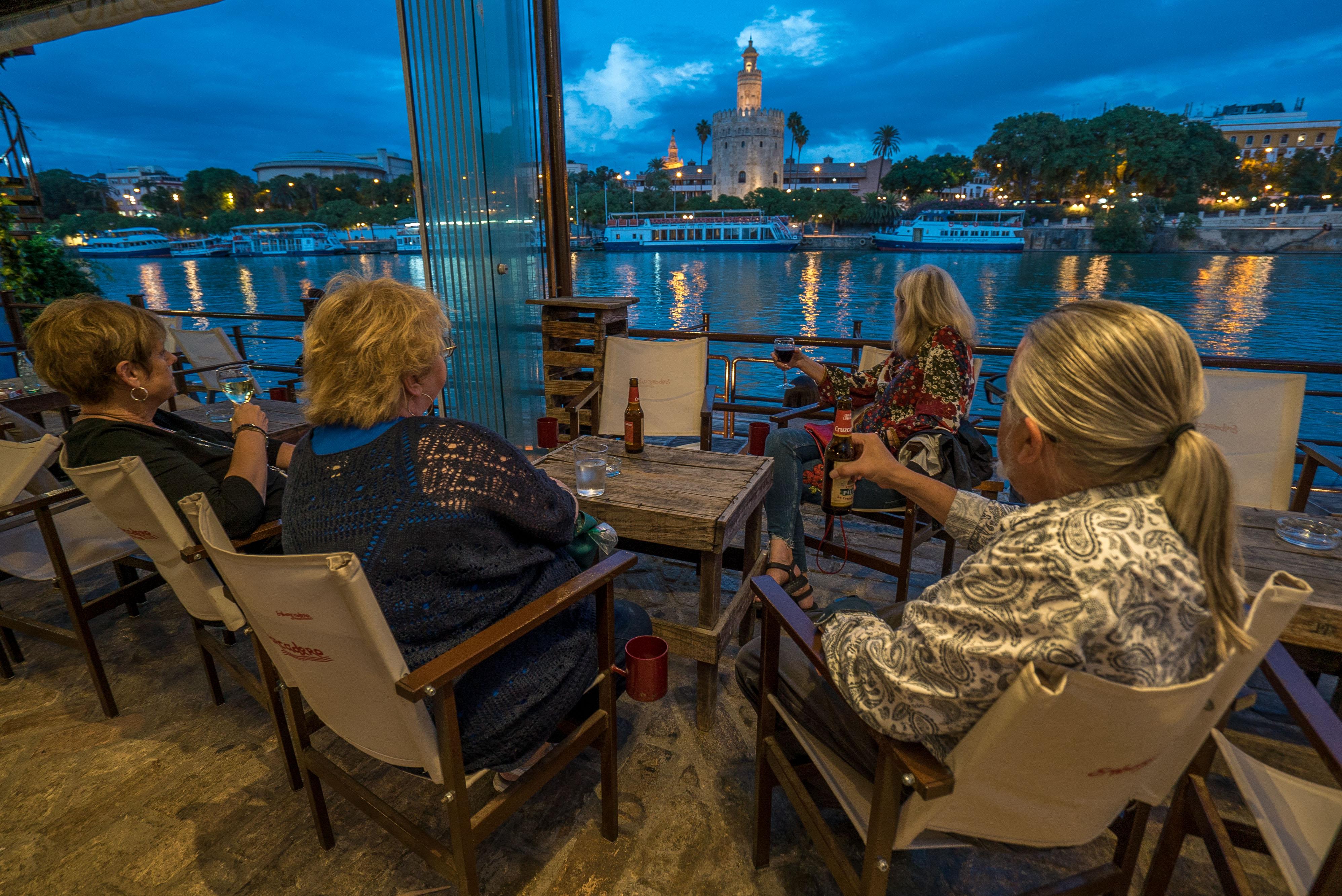 Cocktails br the River