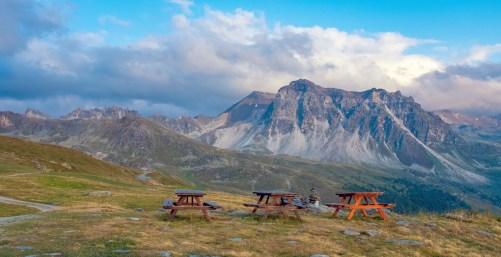 Cabane Bella Tola Tables