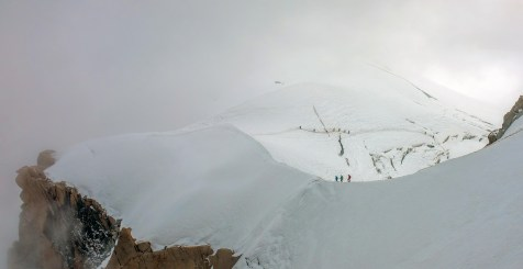 Hikers-on-Mont-Blanc-1