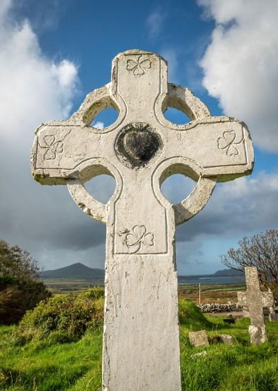 Celtic-Cross-Black-Heart
