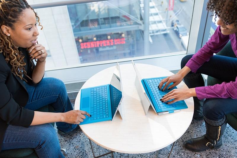 NICHOS Y BLACKHAT: INICIACIÓN A LAS WEBS AUTOMÁTICAS EN 2021