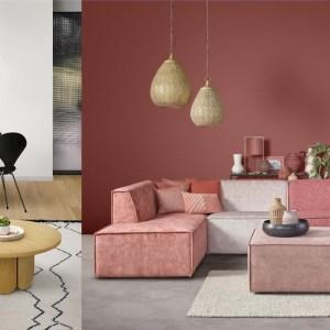 Woonfavorieten; ronde eetkamerbank, oriëntaalse hanglamp + ronde salontafel