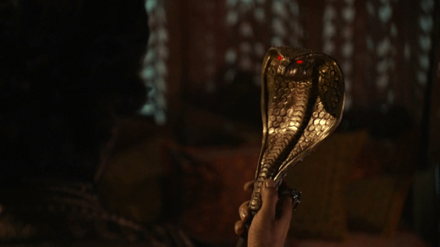 a screencap of jafar's staff