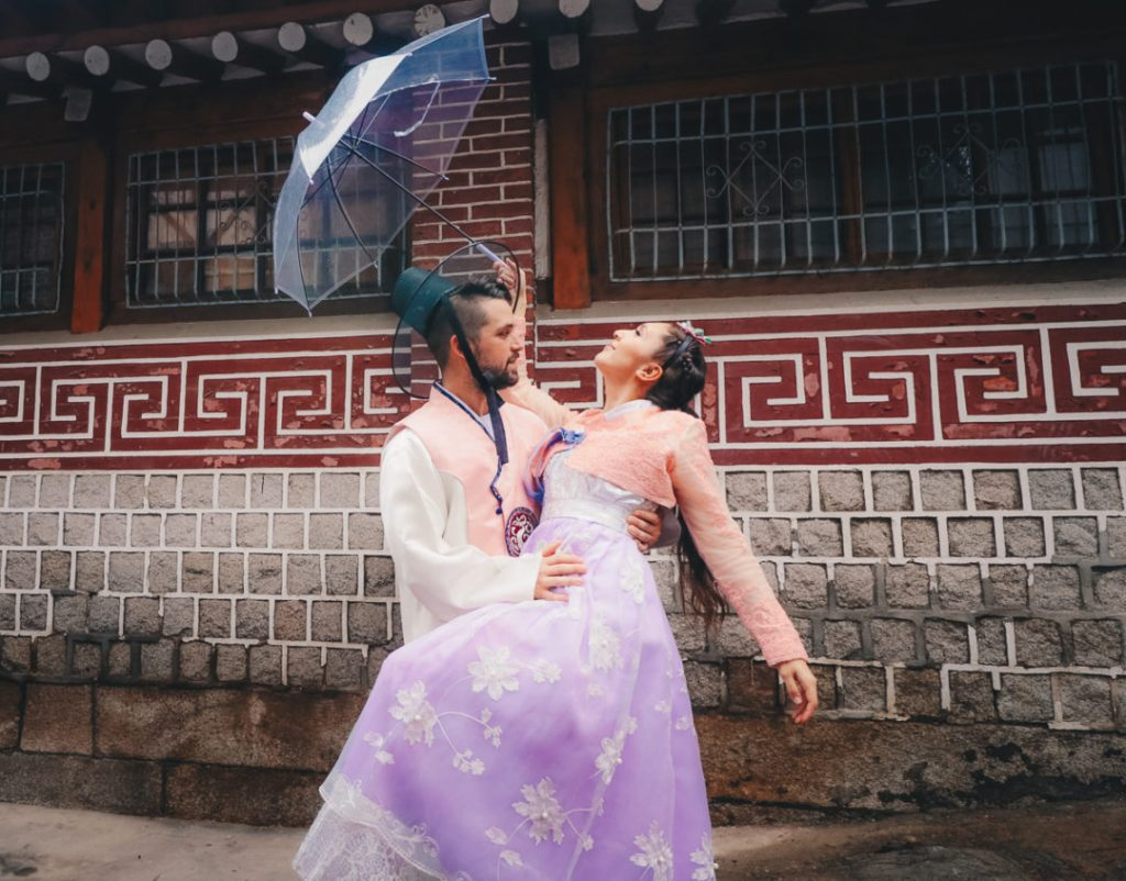 How to Arrange Korean Hanbok Couples Rental