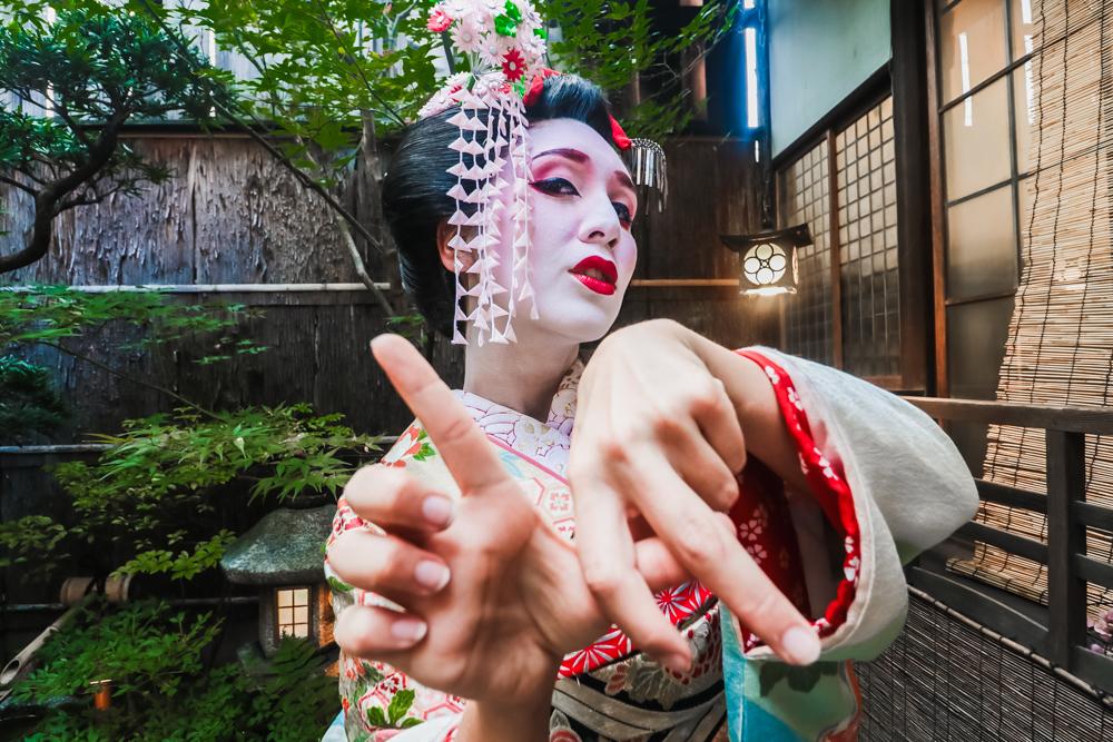 LA girl getting geisha makeover in Japan