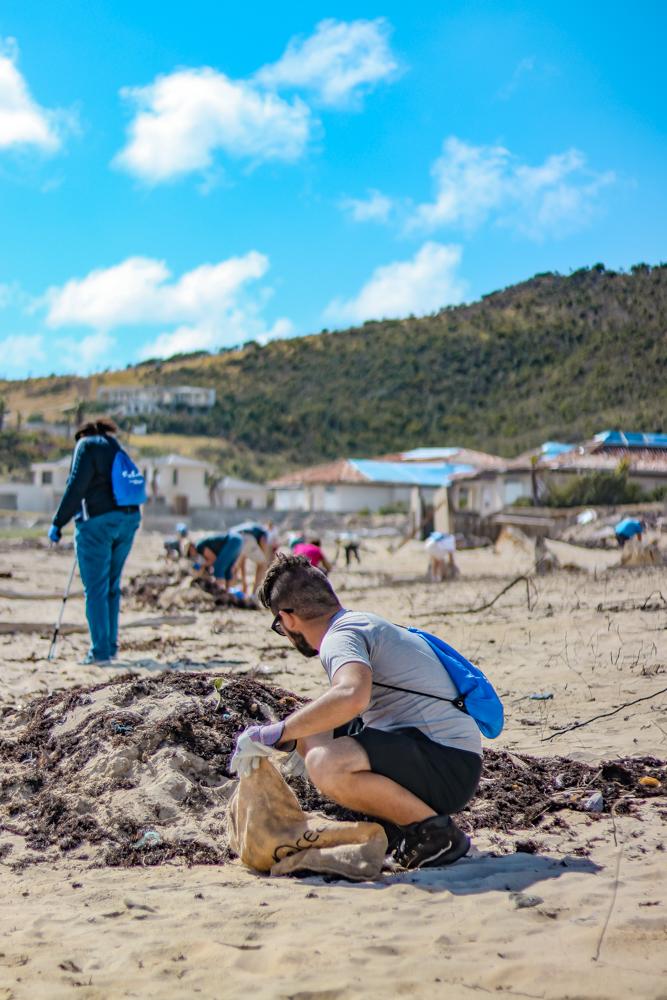 Social Impact Travel beach cleanup in St Maarten