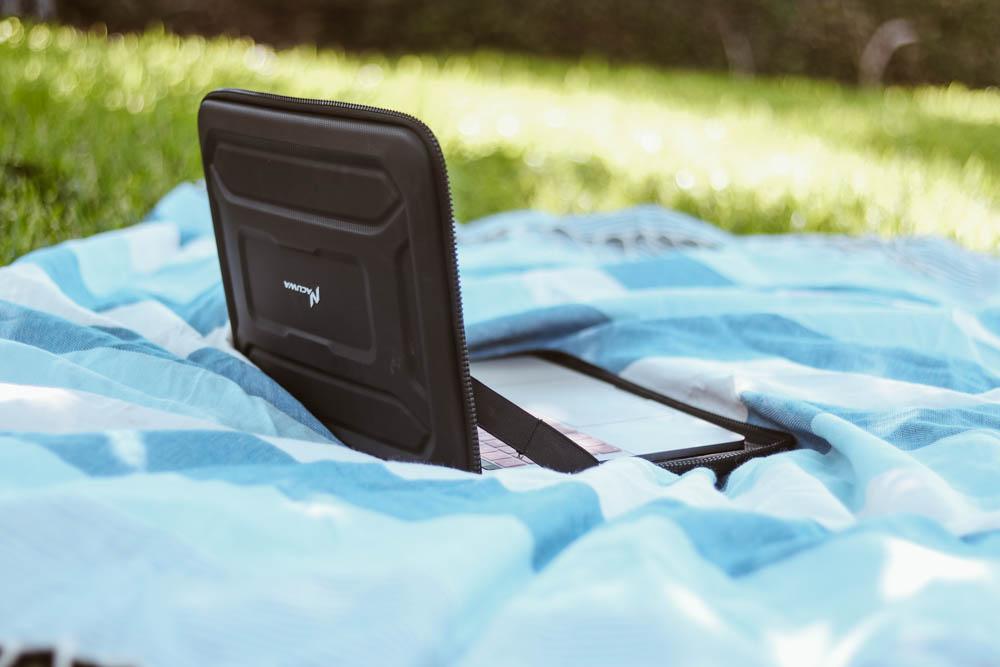 Portable work station laptop case