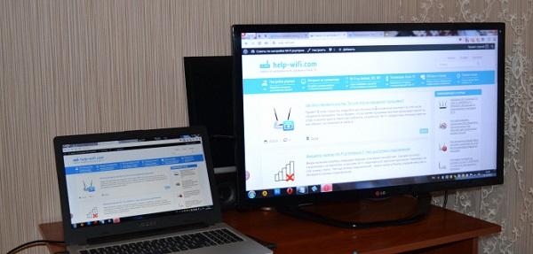 Ноутбук и телевизор