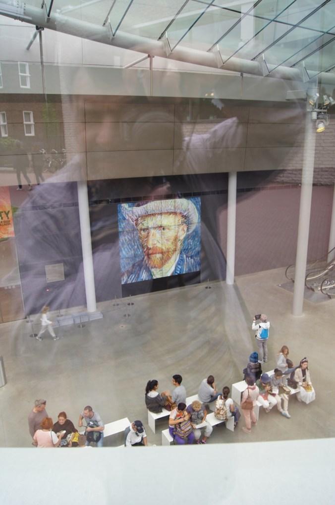 Vincent van Gogh z..fotografem R :)