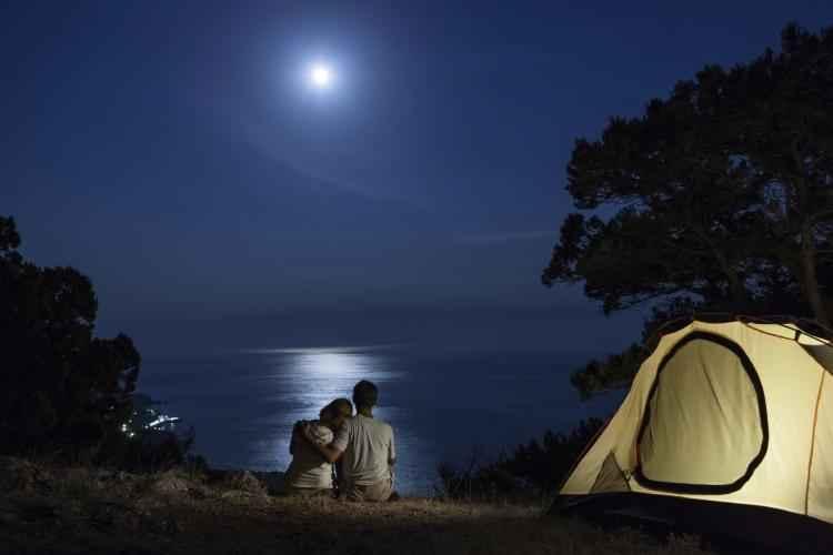 international-watch-the-moon-night