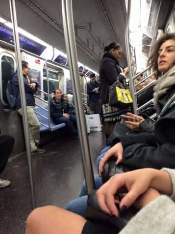 Ögonblicksbild på metron.