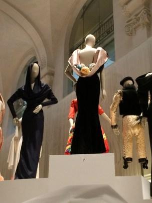 Gucci's rosklänning vid sidan av Azzedine Alaïa, -80-tal