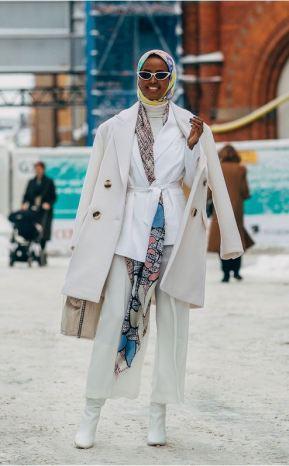 Vitt, culotter och färgglatt mönster