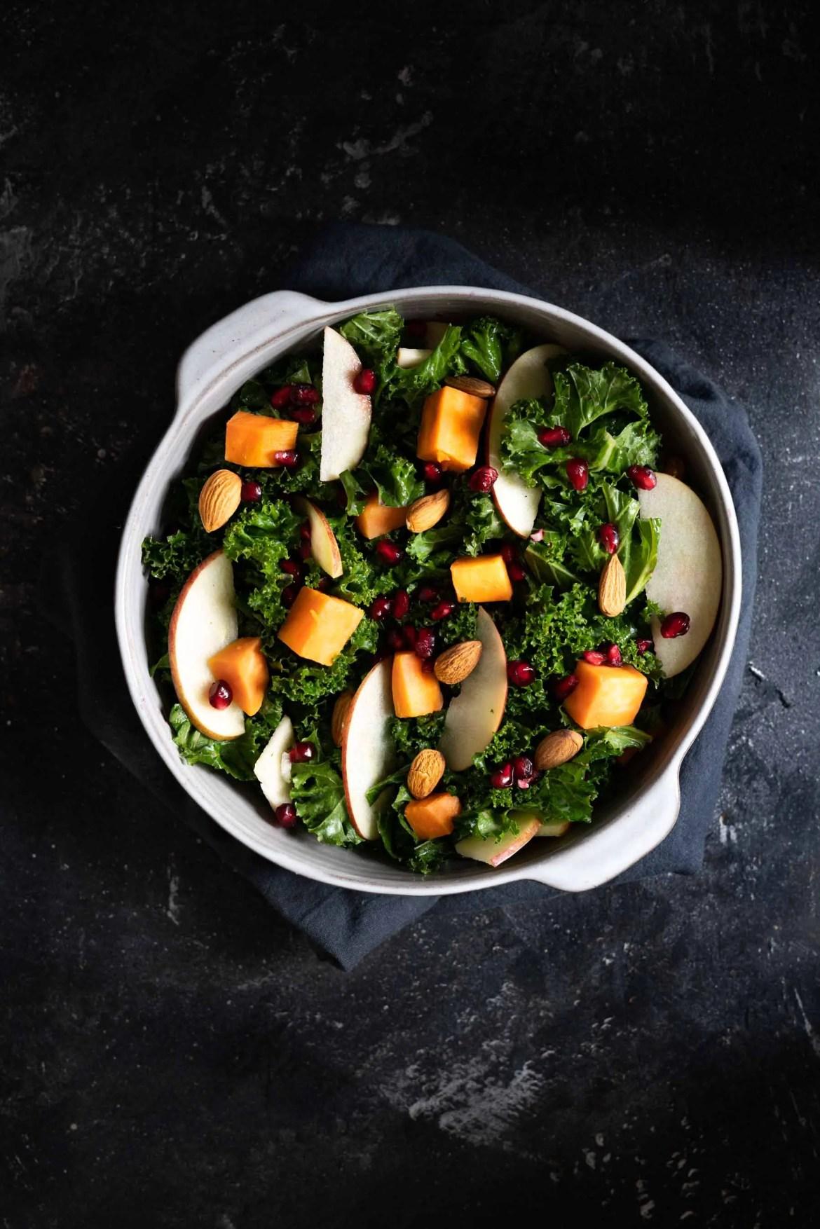 Grünkohl Salat mit Granatapfel