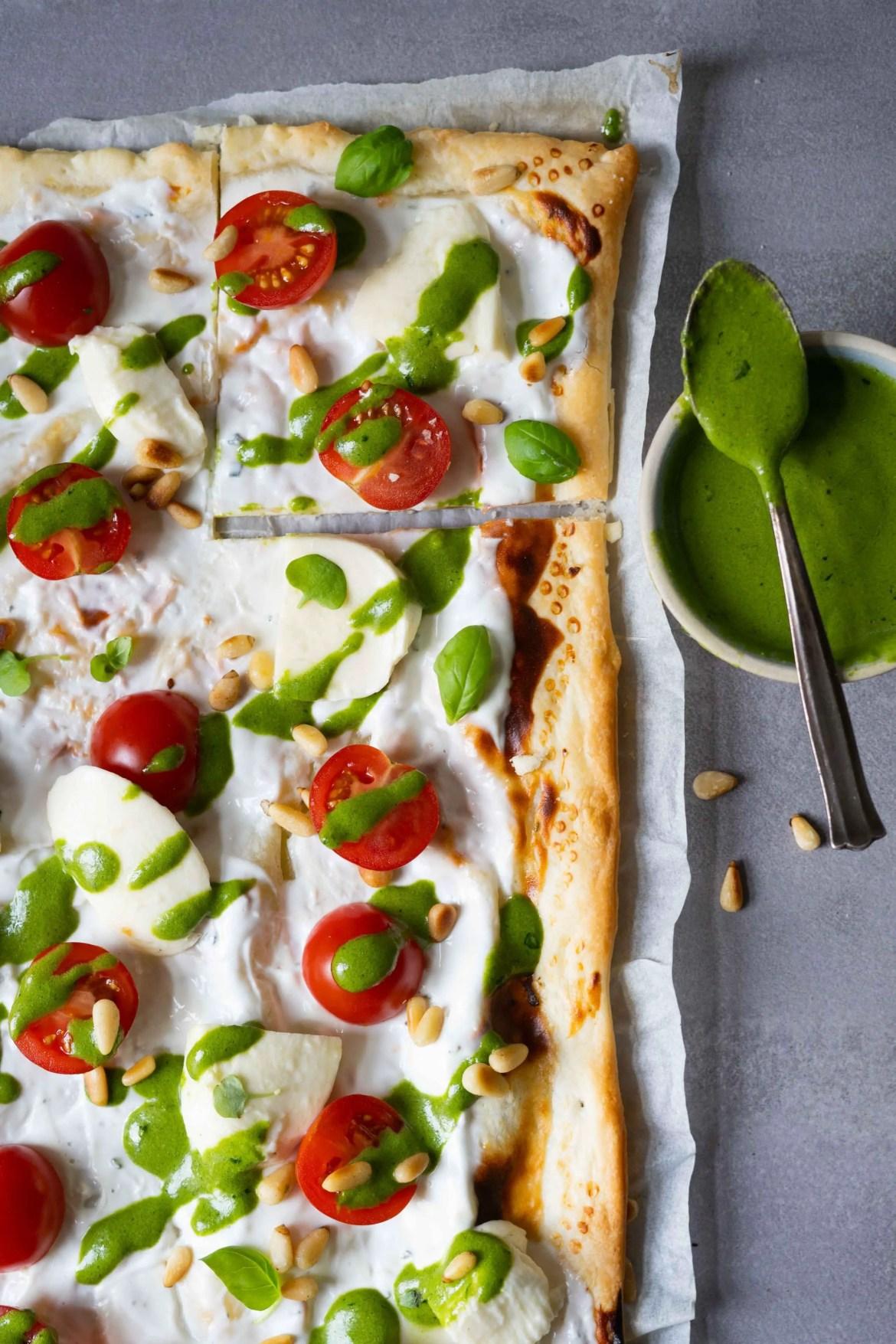 Flammkuchen vegetarisch Tomaten