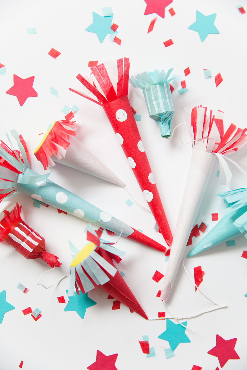 DIY 4th OF JULY PARTY POPPERS  Tell Love and Party