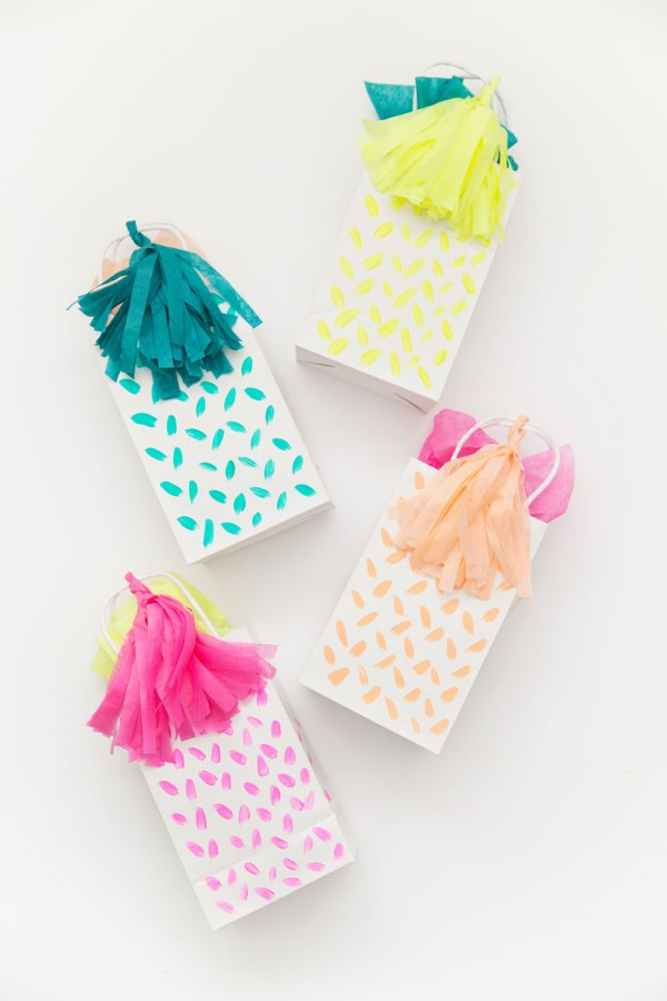 DIY TASSEL GIFT BAG Tell Love and Party