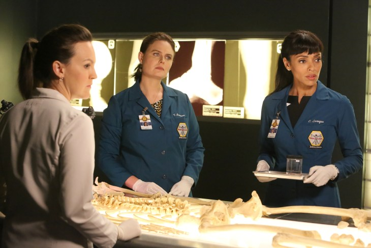 """BONES: L-R: Guest star Carla Gallo, Emily Deschanel and Tamara Taylor in the """"The Brain in the Bot"""" episode of BONES airing Tuesday, Jan. 10 (9:01-10:00 PM ET/PT) on FOX. ©2016 Fox Broadcasting Co. Cr: Patrick McElhenney/FOX"""