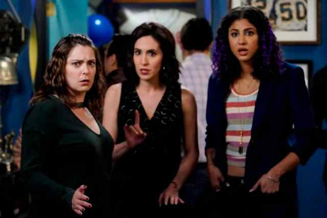 Crazy Ex-Girlfriend Review: I'm Not the Person I Used to Be (Season 4  Episode 9) | Tell-Tale TV