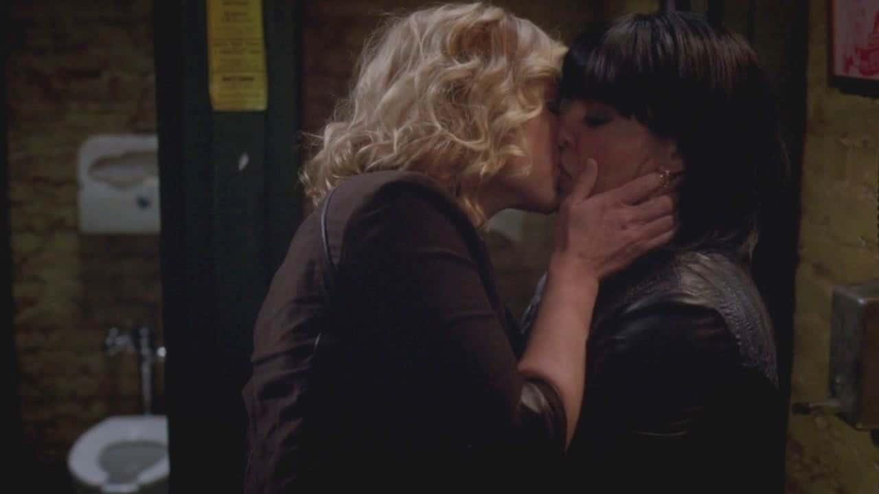 Jessica Capshaw and Sara Rameriz in Grey's Anatomy Season 5