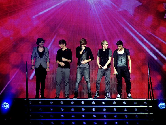 When are One Direction singing on X Factor 2013 Telly Chat