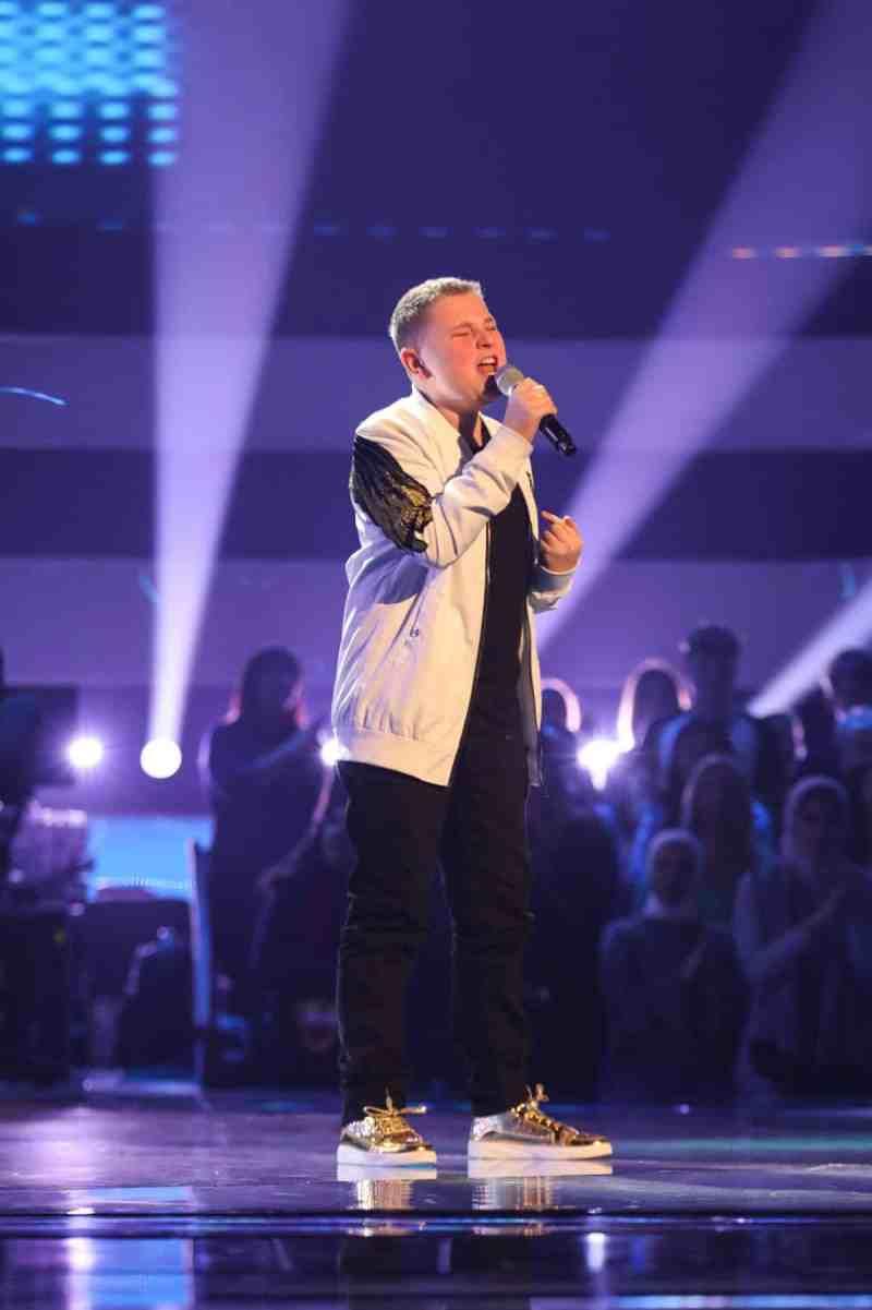 Liam performs.