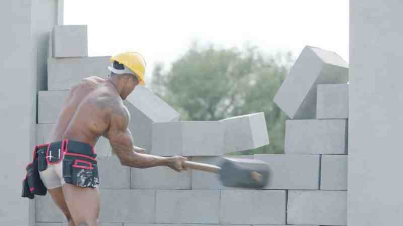 The Islanders take part in the Men At Work challenge: Michael.