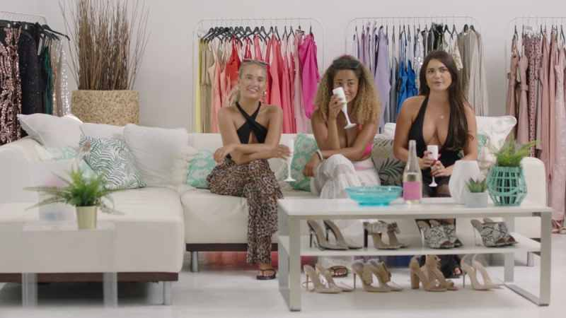 The girls go shopping for the summer ball.