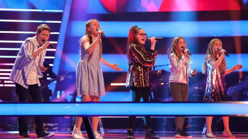 Team Pixie: Sweet Harmony, Chloe and Holly & Emily.