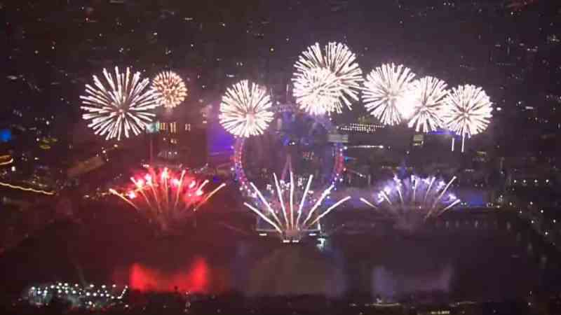 Watch London New Year S Fireworks For 2019 2020 Tv Tellymix