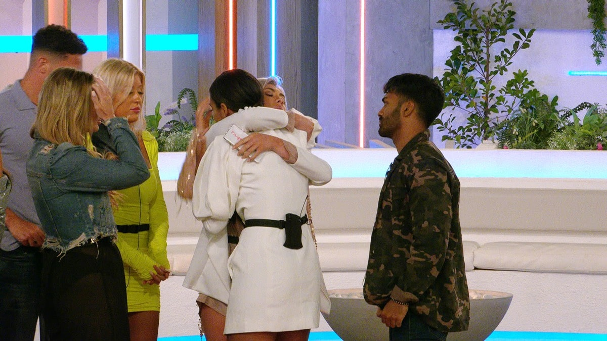 Love Island 2020 Results! Who Left? Two Islanders Voted