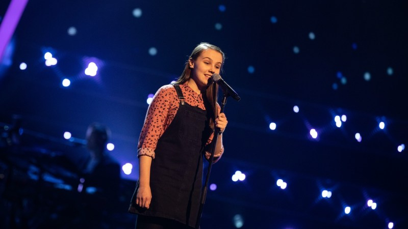 Lydia performs