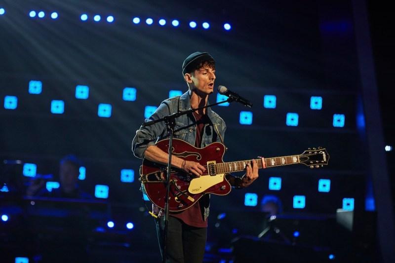 Alex Harry performs.