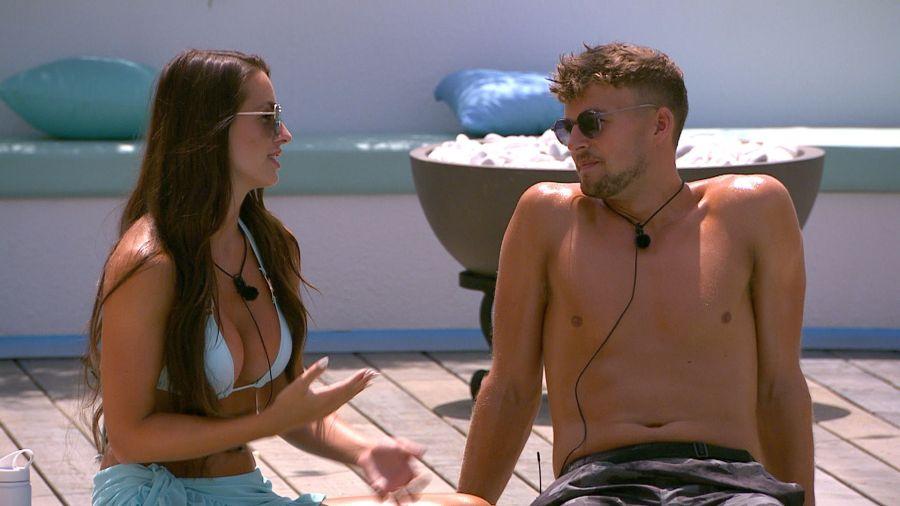 Amy and Hugo chat.