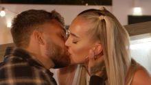 Love Island: Dale and Mary kiss.
