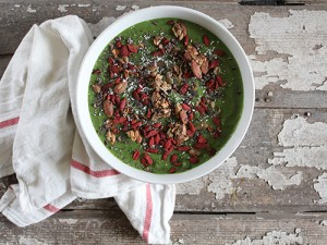green-smoothie-bowl-lgn