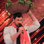 Maksim playing the character of Vegetable vendor on Jhalak for Palak's movie