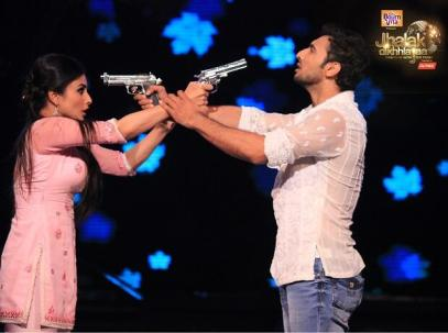 Mouni and Puneet integrates drama in their dance