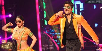 Karan Tacker in his scintillating best on Lungi Dance
